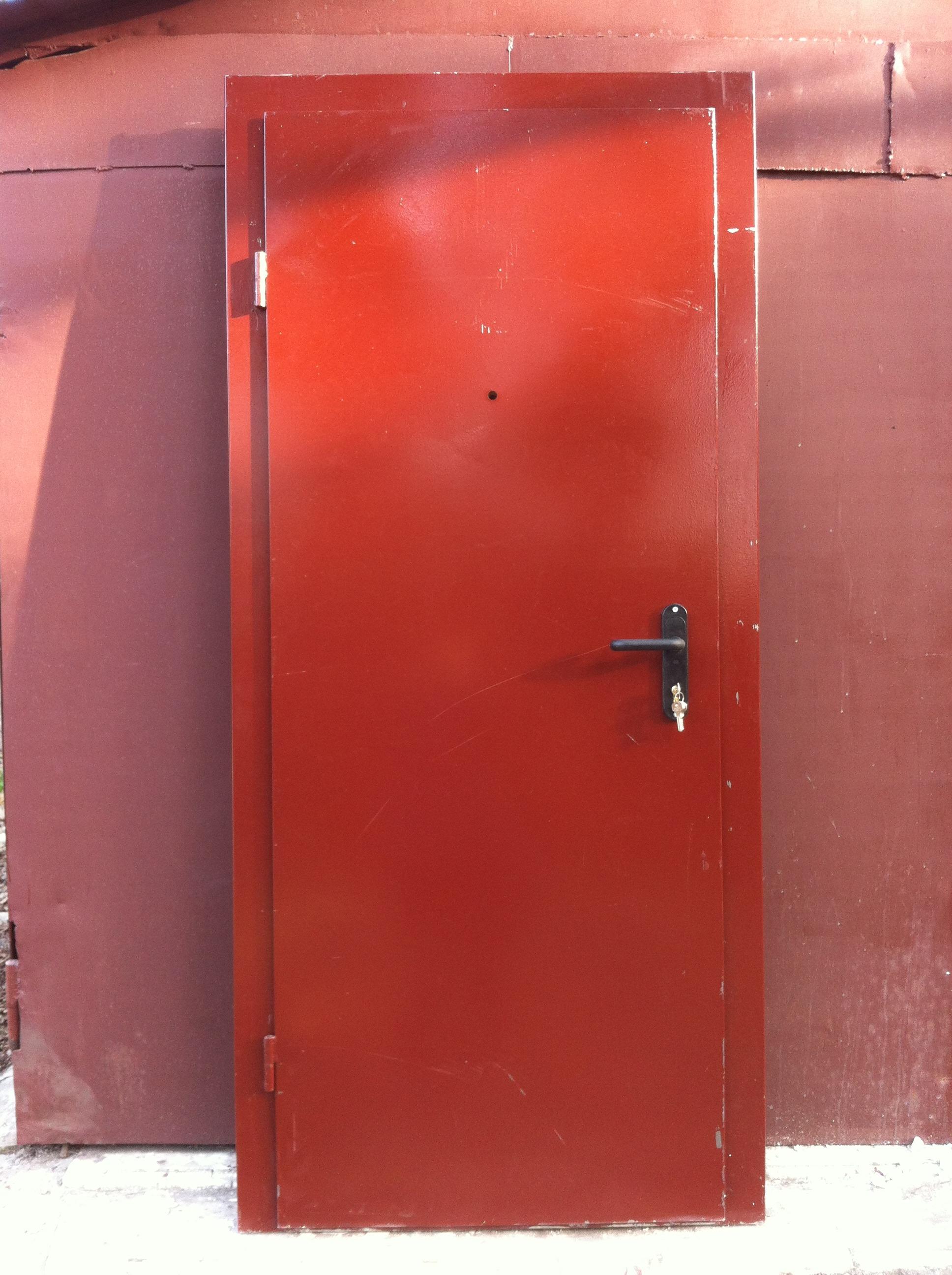 окрашеная дверь