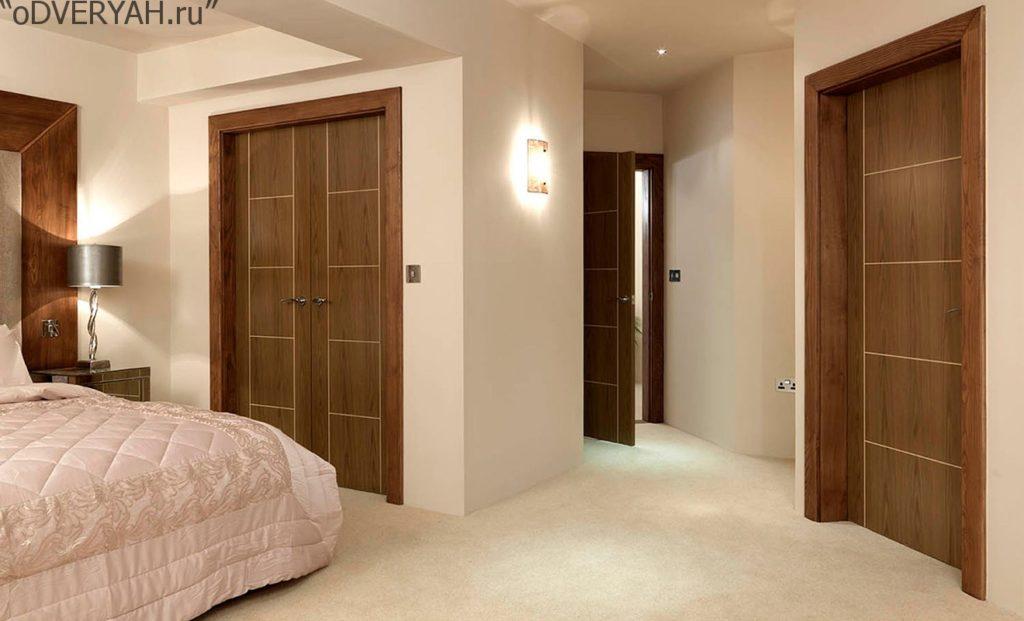 дверь в спальне