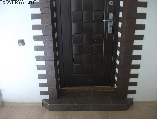 отделка железной двери