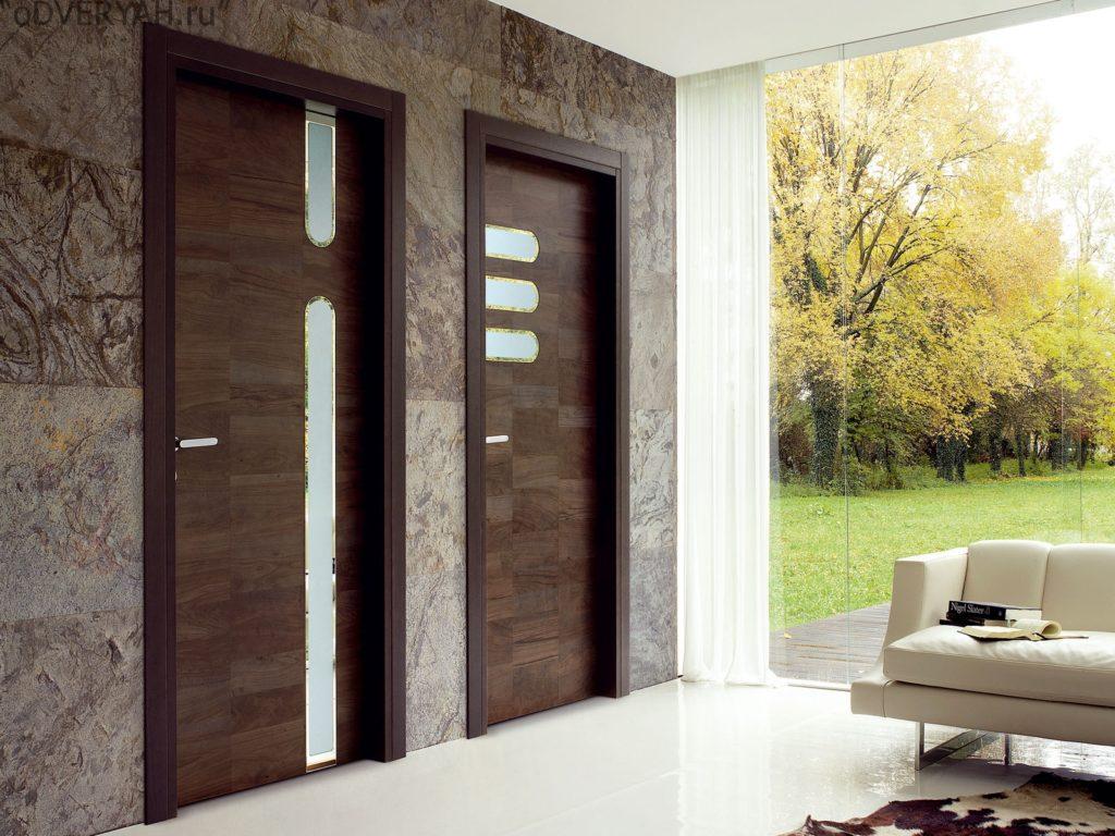 дверь из дерева