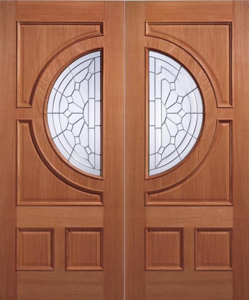 дверь из лиссвенницы