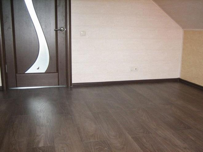 двери под пол