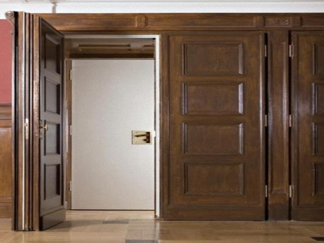 противопожарная дверь деревянная